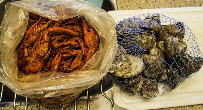 10 Crawfish und Austern
